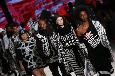 2016-10-25t001548z_807722569_s1aeuixfsuaa_rtrmadp_3_brazil-fashion