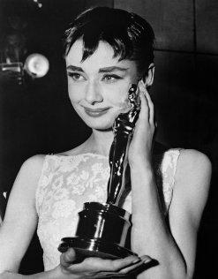 audrey-hepburn-givenchy-1954-academy-awards