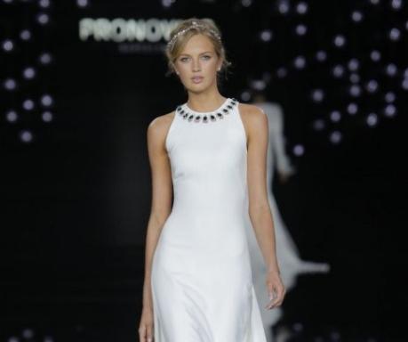 Vestidos-de-noiva-2017-as-tendências-para-você-arrasar-pronovias-1-487x730